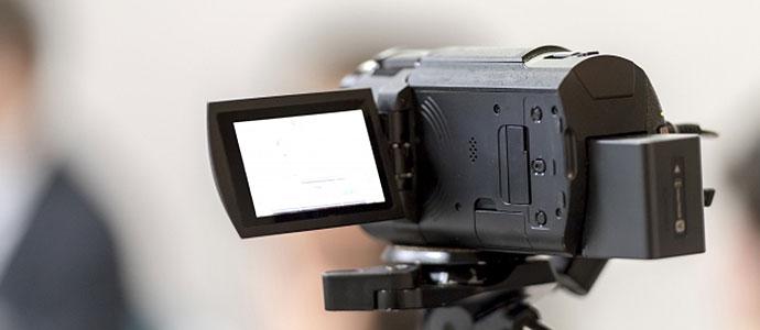 競艇のプロモーションでCM撮影をするカメラ